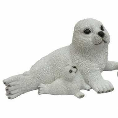 Decoratie beeld zeehond baby naast moeder beeldje kopen