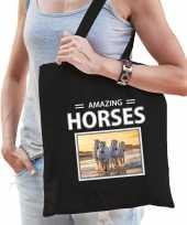 Witte paarden tasje zwart volwassenen kinderen amazing horses kado boodschappen tas beeldje kopen
